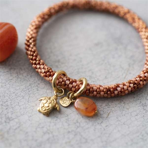 Armband rosa-bronze mit Schildkröte und Edelstein Karneol abeautifulstory