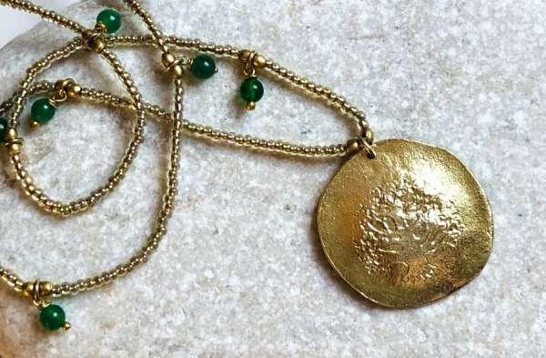 Lange Halskette gold mit Baummünze a beautifulstory