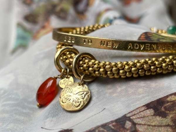 Armband mit Schmetterling und Edelstein abeautifulstory