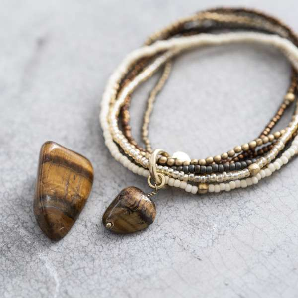 Perlenarmband mit Granat Edelstein abeautifulstory