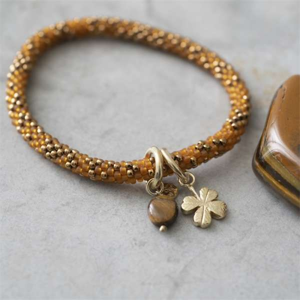 Armband gold-bronze mit Glückskleeblatt und Tigerauge abeautifulstory